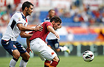 Calcio, Serie A: Roma vs Bologna. Roma, stadio Olimpico, 16 settembre 2012..AS Roma forward Mattia Destro is challenged by Bologna defender Nicolo' Cherubin, left, during the Italian Serie A football match between AS Roma and Bologna at Rome's Olympic stadium, 16 september 2012..UPDATE IMAGES PRESS/Isabella Bonotto