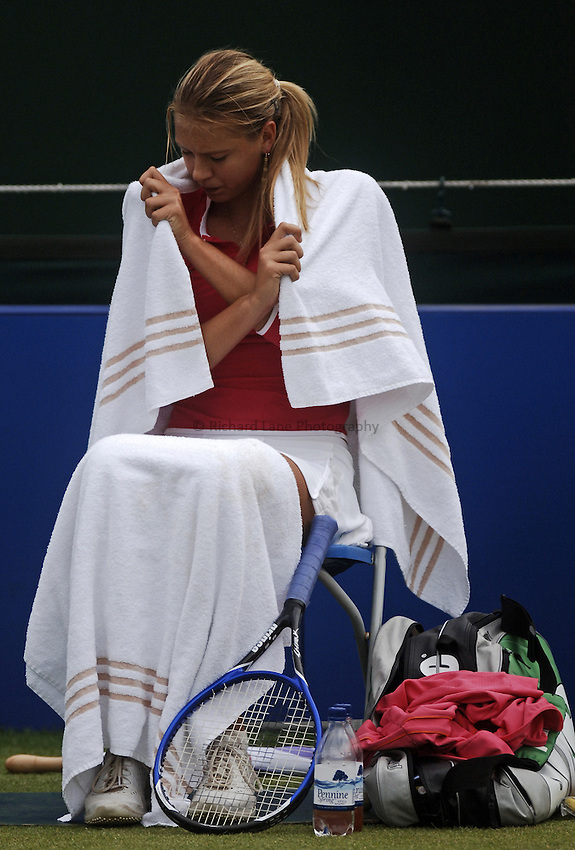 Photo: Glyn Thomas..DFS Classic Tennis final..Edgbaston Priory Club, Birmingham. 12/06/2005...Maria Sharapova feels the cold on her way to a three set win over Jelena Jankovic in the final at Birmingham.