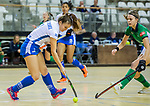 Almere - Zaalhockey Kampong-Push .  Kim Janise (Push) met Jutta van Crevel (Kam)   COPYRIGHT KOEN SUYK