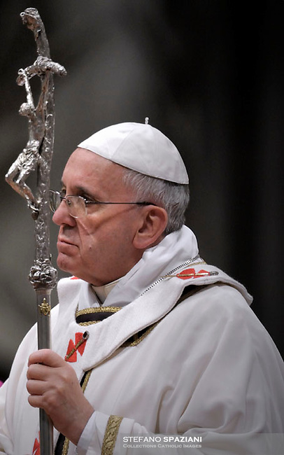 Pope Francis celebrates Christmas mass at St. Peter's Basilica in Vatican City on December 24, 2013