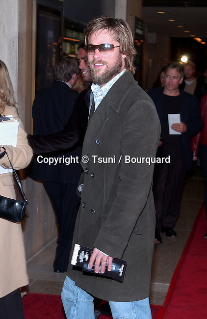 Brad Pitt arriving at the premiere of Panic Room at the Loews Century Theatre in Los Angeles. March 18, 2002.            -            PittBrad05.jpg