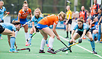 BLOEMENDAAL - Laurien Boot (Bl'daal) , 2e play out wedstrijd tussen Bloemendaal-HGC dames (2-0). COPYRIGHT KOEN SUYK
