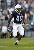 STATE COLLEGE, PA - SEPTEMBER 02:  Penn State LB Jason Cabinda (40) reads the play. The Penn State Nittany Lions defeated the Akron Zips 52-0 on September 2, 2017 at Beaver Stadium in State College, PA. (Photo by Randy Litzinger/Icon Sportswire)
