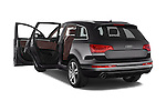 Car images of a 2015 Audi Q7 - 5 Door Suv 2WD Doors
