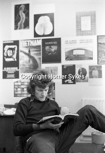 Homer Sykes in Creative Camera offices Doughty Street London 1972, pic by editor Peter Turner
