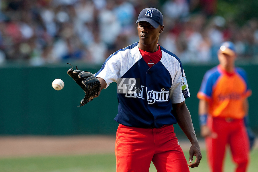 15 February 2009: Left pitcher Aroldis Chapman of the Orientales is seen during a training game of Cuba Baseball Team for the World Baseball Classic 2009. The national team is pitted against itself, divided in two teams called the Occidentales and the Orientales. The Orientales win 12-8, at the Latinoamericano stadium, in la Habana, Cuba.