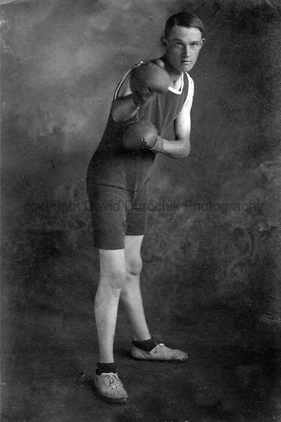 vintage photo, vintage sports photo, vintage, vintage, vintage sports, vintage sports photo, old sports photography, old sports photo, vintage photo, vintage photograph, old photograph, old sports photograph, vintage sports photograph, archival, archival sports photo, archival sports photography