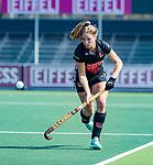 AMSTELVEEN -  Kitty van Male (A'dam)   tijdens de hoofdklasse competitiewedstrijd hockey dames,  Amsterdam-Oranje Rood (5-2). COPYRIGHT KOEN SUYK