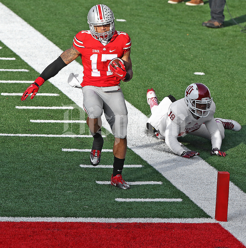 Ohio State Buckeyes running back Jalin Marshall (17) runs into the end zone untouched in the fourth quarter at Ohio Stadium on 22, 2014. (Chris Russell/Dispatch Photo)