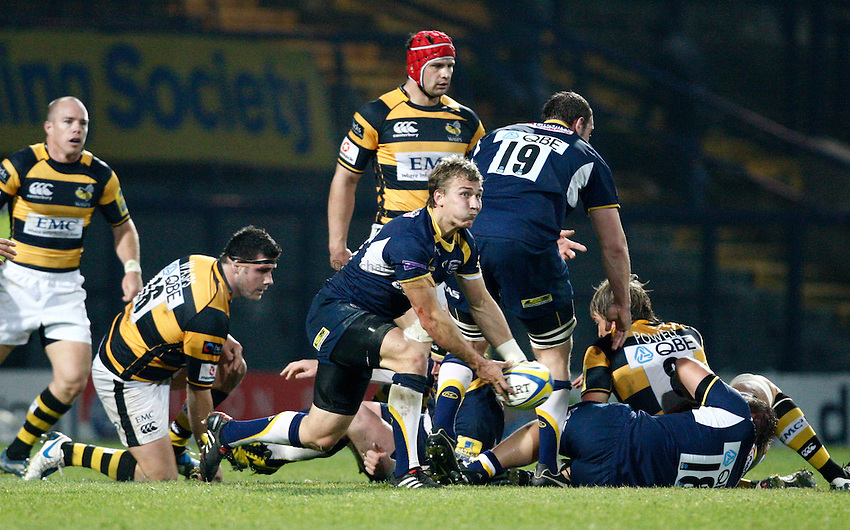 Photo: Richard Lane/Richard Lane Photography. Leeds Carnegie v London Wasps. Aviva Premiership. 31/10/2010.  Leeds' Warren Fury passes.