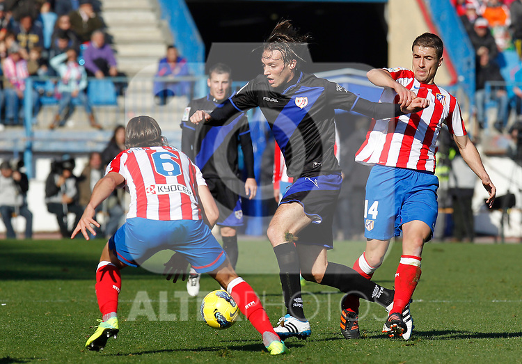 Madrid (04/12/2011).- Estadio Vicente Calderon..LIGA BBVA 15ª Jornada.Atletico de Madrid - Rayo Vallecano..Gabi, Michu.......