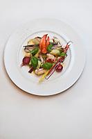 Amérique/Amérique du Nord/Canada/Québec/Montréal: Glacé de homard et couteaux de mer, recette de Normand Laprise, Restaurant: Toqué!