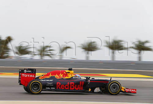 01.04.2016. Bahrain. FIA Formula One World Championship 2016, Grand Prix of Bahrain, Practise day.  Motorsports: 3 Daniel Ricciardo (AUS, Red Bull Racing)