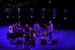 Belvedere di Villa Rufolo<br /> Bill Frisell Quartet <br /> Petra Haden<br /> Bill Frisell, chitarra elettrica<br /> Petra Haden, voce<br /> Thomas Morgan, basso<br /> Rudy Royston, percussioni