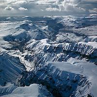 Kerlingardalsafr&eacute;ttur, s&eacute;&eth; til su&eth;urs yfir M&yacute;rdalsj&ouml;kul, 1972<br /> <br /> Upland pastures in Kerlingardalur, view to the south over M&yacute;rdalsj&ouml;kull glacier, 1972