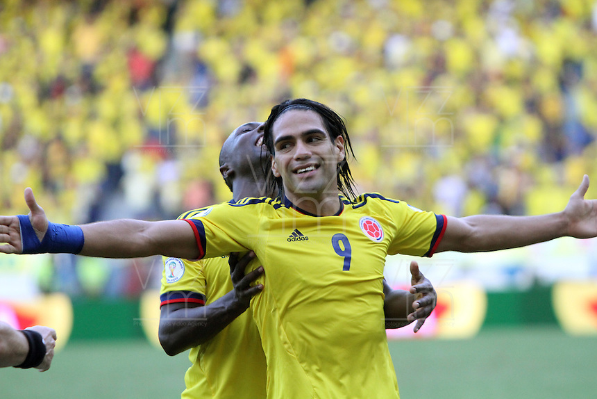 BARRANQUILLA-COLOMBIA.12-10-2012.Radamel Falcao García jugador  de la selección Colombia de fútbol de mayores.Encuentro con Paraguay ..Eliminatorias Brasil 2014.Radamel Falcao Garcia player of Colombia soccer team in action .Macht Colombia between Paraguay.Brazil 2014 World Cup..Photo:VizzorImage/Felipe Caicedo. .