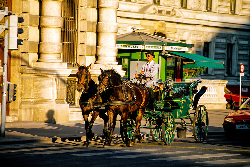 Fiacre (carriage), near Schwarzenberg Platz), Vienna, Austria