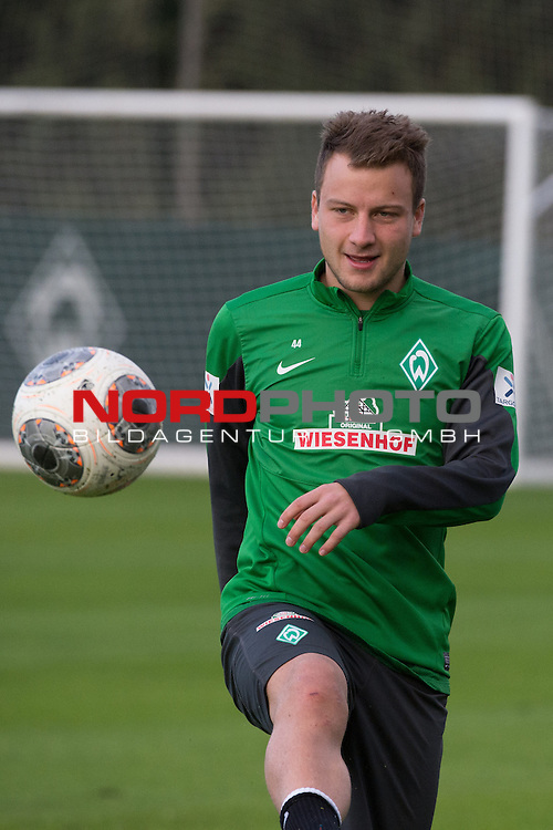 Trainingsgel&auml;nde, Jerez, ESP, 1.FBL, Trainingslager Werder Bremen 2014,  11.01.2014, <br /> Philipp Bargfrede (Bremen #44)<br /> Querformat,<br /> <br /> <br /> Foto &copy; nordphoto/ Kokenge