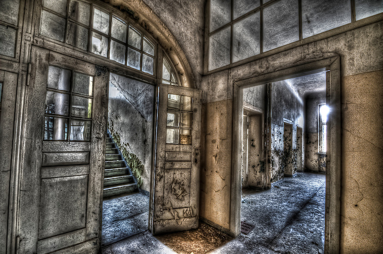 Abandoned lunatic asylum north of Berlin, Germany. Empty rooms.
