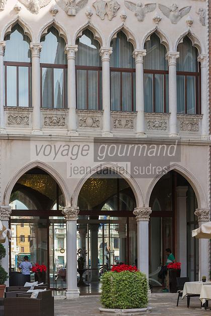 Italie, Vénétie, Venise: Centurion PaLace , Sestiere Dorsoduro , Ancien palais néo-gothique    // Italy, Veneto, Venice: