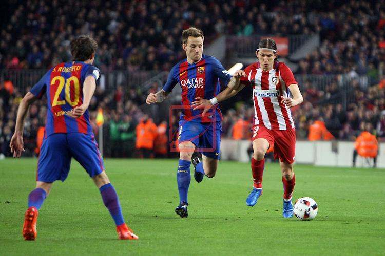 Copa del Rey 2016/2017 - Semifinal vuelta.<br /> FC Barcelona vs Atletico Madrid: 1-1.<br /> Rakitic vs Filipe Luis.