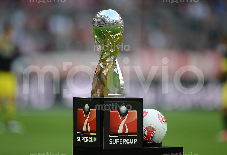FUSSBALL   1. BUNDESLIGA   SAISON 2012/2013   SUPERCUP FC Bayern Muenchen - Borussia Dortmund            12.08.2012 Der Supercup Pokal