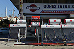 TURKEY Bergama, solar shop offering solar collectors to heat water with sun energy / TUERKEI Bergama, Verkauf von Solarthermischen Roehrenkollektoren fuer Warmwasseraufbereitung
