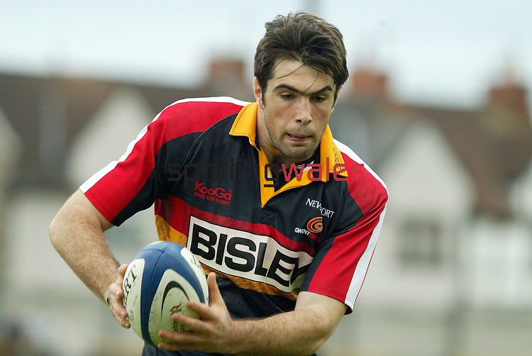 Peter Sidoli.Celtic League.Newport Gwent Dragons v Cardiff Blues.17.04.04.©Steve Pope.Sportingwales.com.07798 83 00 89.The Manor .Coldra Woods.Newport.South Wales.NP18 1HQ