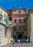 Brama Bartłomieja Berrecciego - brama wjazdowa Zamku Kr&oacute;lewskiego na Wawelu, prowadząca na dziedziniec arkadowy, Krak&oacute;w, Polska<br /> Bartłomiej Berrecki's Gate - the entrance gate of the Wawel Royal Castle, leading to the arcaded courtyard, Cracow, Poland