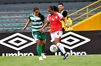 BOGOTÁ-COLOMBIA, 11–08-2019: Vanessa Gómez de Independiente Santa Fe y Anyi Olarte de La Equidad disputan el balón, durante partido de la fecha 5 entre Independiente Santa Fe y La Equidad, por la Liga Águila Femenina, jugado en el estadio Nemesio Camacho El Campín de la ciudad de Bogotá. / Vanessa Gomez of Independiente Santa Fe and Anyi Olarte of La Equidad vies for the ball, during a match of the 5th date between Independiente Santa Fe and La Equidad, for the 2019 Women's Aguila League played at the Nemesio Camacho El Campin Stadium in Bogota city, Photo: VizzorImage / Luis Ramírez / Staff.