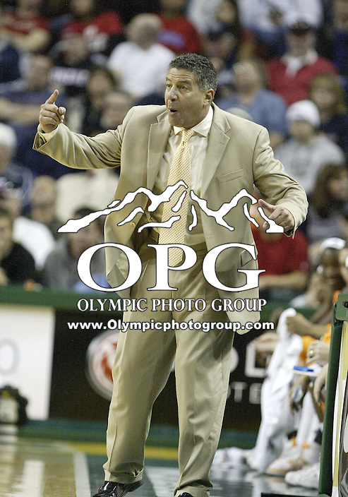 "29 December 2007:  Tennessee head coach Bruce Pearl screams to his players during first half action against the Gonzaga Bulldogs at Key Arena in the annual ""Battle of Seattle"" in Seattle, WA. The Tennessee Volunteers won 82-72 over the Gonzaga Bulldogs."