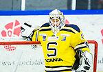 Huddinge 2015-09-20 Ishockey Division 1 Huddinge Hockey - S&ouml;dert&auml;lje SK :  <br /> S&ouml;dert&auml;ljes m&aring;lvakt Calle Brattenberger under matchen mellan Huddinge Hockey och S&ouml;dert&auml;lje SK <br /> (Foto: Kenta J&ouml;nsson) Nyckelord:  Ishockey Hockey Division 1 Hockeyettan Bj&ouml;rk&auml;ngshallen Huddinge S&ouml;dert&auml;lje SK SSK portr&auml;tt portrait