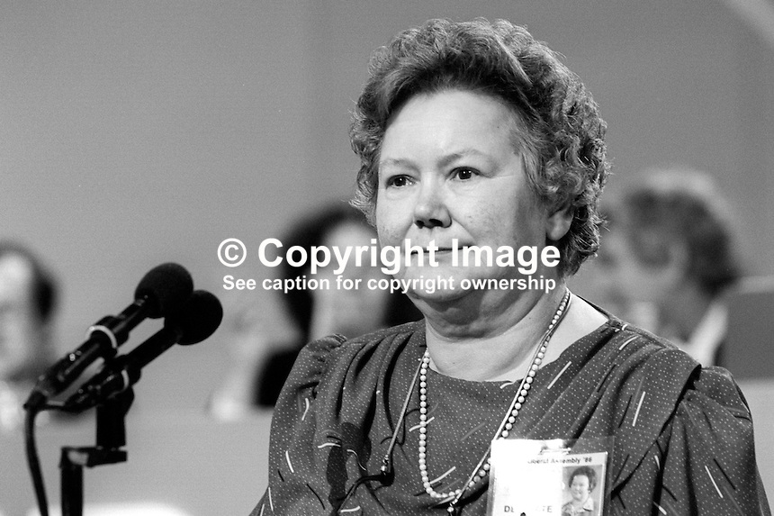 Claire Brooks, PPC, prospective parliamentary candidate, Liberal Party, Lancaster, UK, speaking annual conference September 1986. 19860918CB1<br />