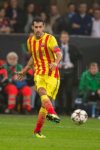 22.10.l2013. Milan, Italy. UEFA Champions League football. AC Milan versus FC Barcelona. Group stages. Sergio Busquets (Barcelona),  at Stadio Giuseppe Meazza in Milan, Italy.