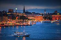 Sommarnatt blå timmen Gamla stan Stockholms ström Stockholm