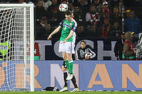 Shane Ferguson (Nordirland, Northern Ireland) klärt- 11.10.2016: Deutschland vs. Nordirland, HDI Arena Hannover, WM-Qualifikation Spiel 3