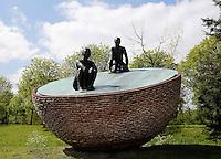 Amsterdam. Kunstwerk van Herman Makkink in het Westerpark