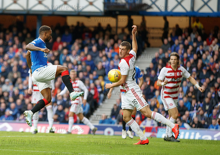 06.10.2019 Rangers v Hamilton: Jermain Defoe hits the post