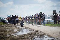 race leaders at sector 14: Tilloy &agrave; Sars-et-Rosi&egrave;res (2.4km) <br /> <br /> 114th Paris-Roubaix 2016