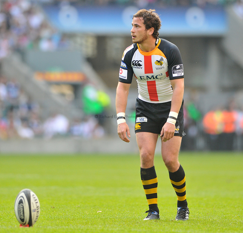 Photo: Tony Oudot/Richard Lane Photography. London Wasps v Bath Rugby. The St. George's Day Game. Guinness Premiership. 24/04/2010. .Danny Cipriani kicks for Wasps.