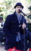 11 NOVEMBRE 2012 - LOS ANGELES - ETATS-UNIS -KEVIN RICHARDSON EN REPETITION POUR LEUR PERFORMANCE LORS DE L'ILLUMINATION DE L' ARBRE DE NOEL DE THE GROVE (KDENA/NortePhoto)
