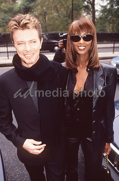 ©ALPHA 020505 11/95   DAVID BOWIE   - WITH HIS WIFE IMAN AT THE Q AWARDS 95 HYDE PARK HOTEL  LONDON. Photo Credit: Alpha Press/AdMedia