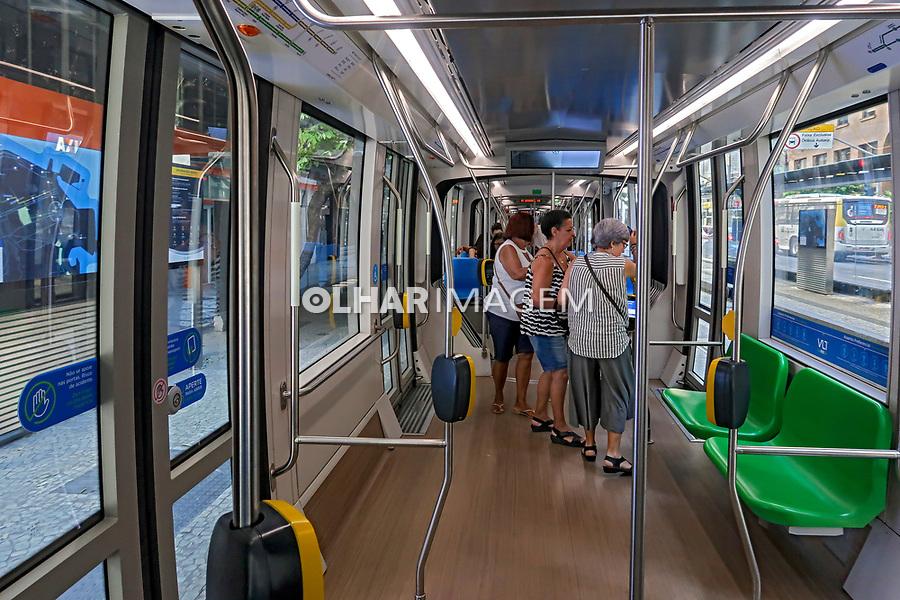 Transporte VLT, veiculo leve sobre trilhos, Rio de Janeiro. 2019. Foto Juca Martins