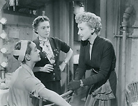 All About Eve (1950)<br /> Bette Davis, Celeste Holm &amp; Thelma Ritter<br /> *Filmstill - Editorial Use Only*<br /> CAP/KFS<br /> Image supplied by Capital Pictures