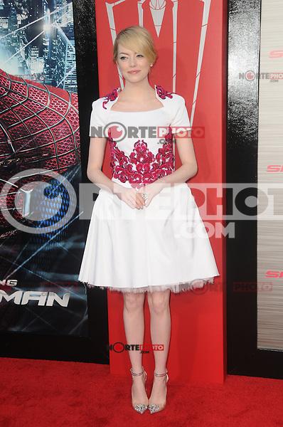 Emma Stone at the premiere of Columbia Pictures' 'The Amazing Spider-Man' at the Regency Village Theatre on June 28, 2012 in Westwood, California. &copy; mpi35/MediaPunch Inc. /*NORTEPHOTO.COM*<br /> **SOLO*VENTA*EN*MEXICO** **CREDITO*OBLIGATORIO** *No*Venta*A*Terceros*<br /> *No*Sale*So*third* ***No*Se*Permite*Hacer Archivo***No*Sale*So*third*&Acirc;&copy;Imagenes*con derechos*de*autor&Acirc;&copy;todos*reservados*.