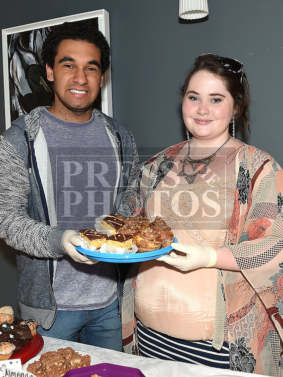 Colin Smith and Ella Coyle pictured at the Drogheda Youth Theatre cake sale in the Droichead Arts Centre. Photo:Colin Bell/pressphotos.ie