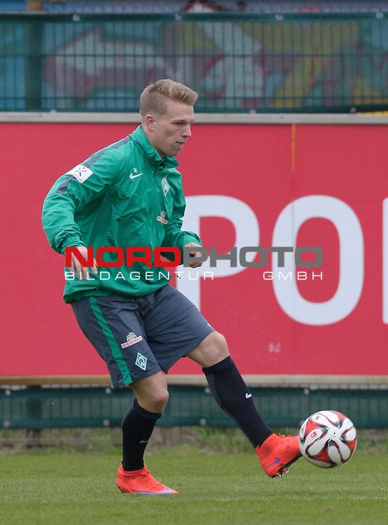 08.04.2015, Trainingsgelaende, Bremen, GER, 1.FBL, Training Werder Bremen, im Bild Janek Sternberg (Bremen #37)<br /> <br /> Foto &copy; nordphoto / Frisch