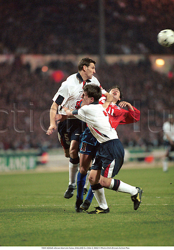 TONY ADAMS elbows Marcelo Salas, ENGLAND 0 v Chile 2, 980211 Photo:Chris Brown/Action Plus...1998.Soccer.Dangerous Play.football.foul fouls fouling fouled.association.international internationals