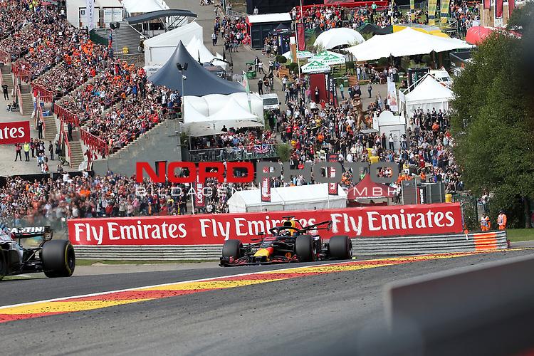 26.08.2018, Circuit de Spa-Francorchamps, Spa-Franchorchamps, FORMULA 1 2018 JOHNNIE WALKER BELGIAN GRAND PRIX, 23. - 26.08.2018<br /> , im Bild<br />Rennstart:<br />Lewis Hamilton (GB#44), Mercedes AMG Petronas Formula One Team, Sebastian Vettel (GER#5), Scuderia Ferrari, Esteban Ocon (FRA#31), Racing Point Force India Formula One Team, Sergio Perez (MEX#11), Racing Point Force India F1 Team, Max Verstappen (NEL#33), Aston Martin Red Bull Racing, Romain Grosjean (FRA#8), Haas F1 Team, Kevin Magnussen (DNK#20), Haas F1 Team<br /> <br /> Foto © nordphoto / Bratic