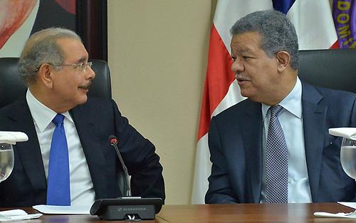 Presidente Danilo Medina y el expresidente Leonel Fernández, en el Comité Político del PLD.